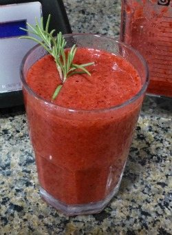 Raspberry Rosemary Smoothie