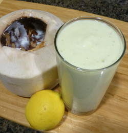 Lemony Coconut Smoothie
